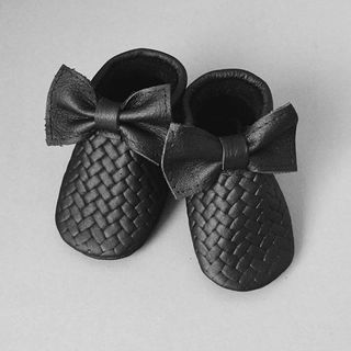 FMAM Moccasins Braids Bow Black