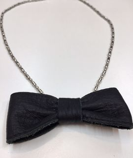 FMAM The Bow Necklace Black