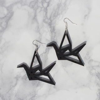 Yo Zen Swan Earrings Black