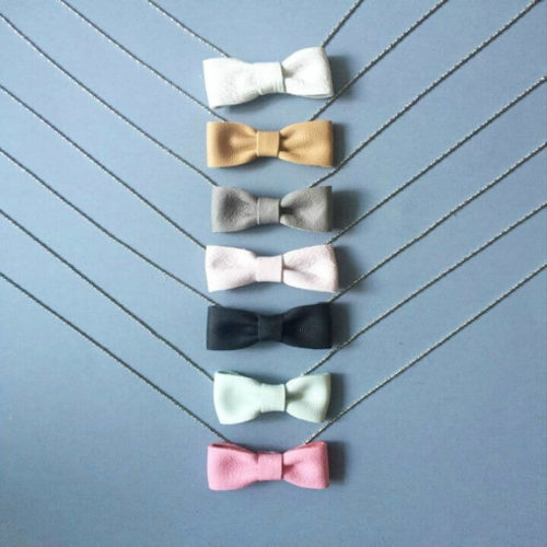FMAM The Bow Necklace Light Grey