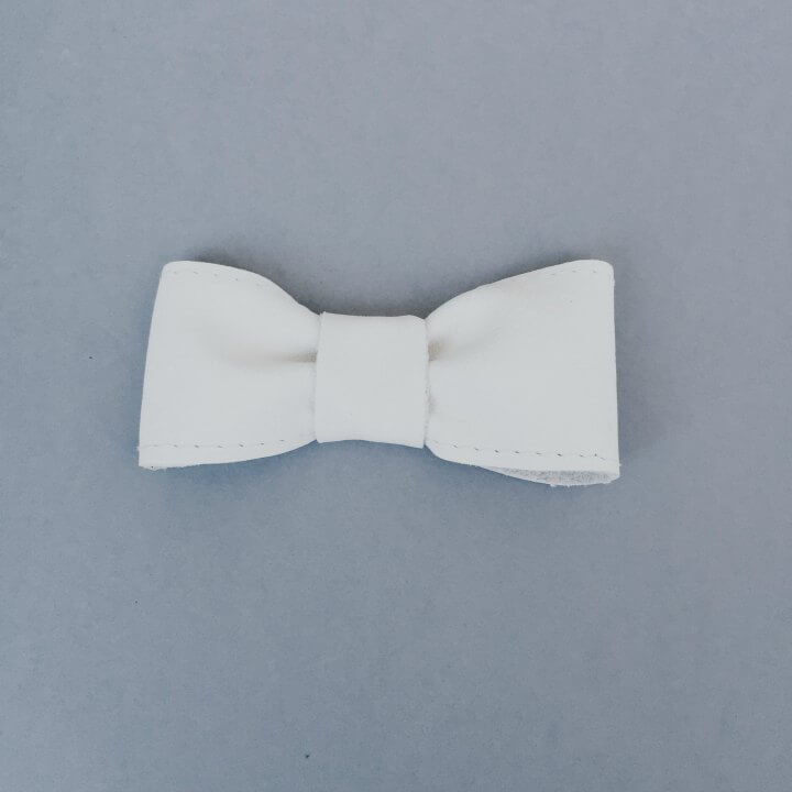 For Minis And Mommies The Bow White